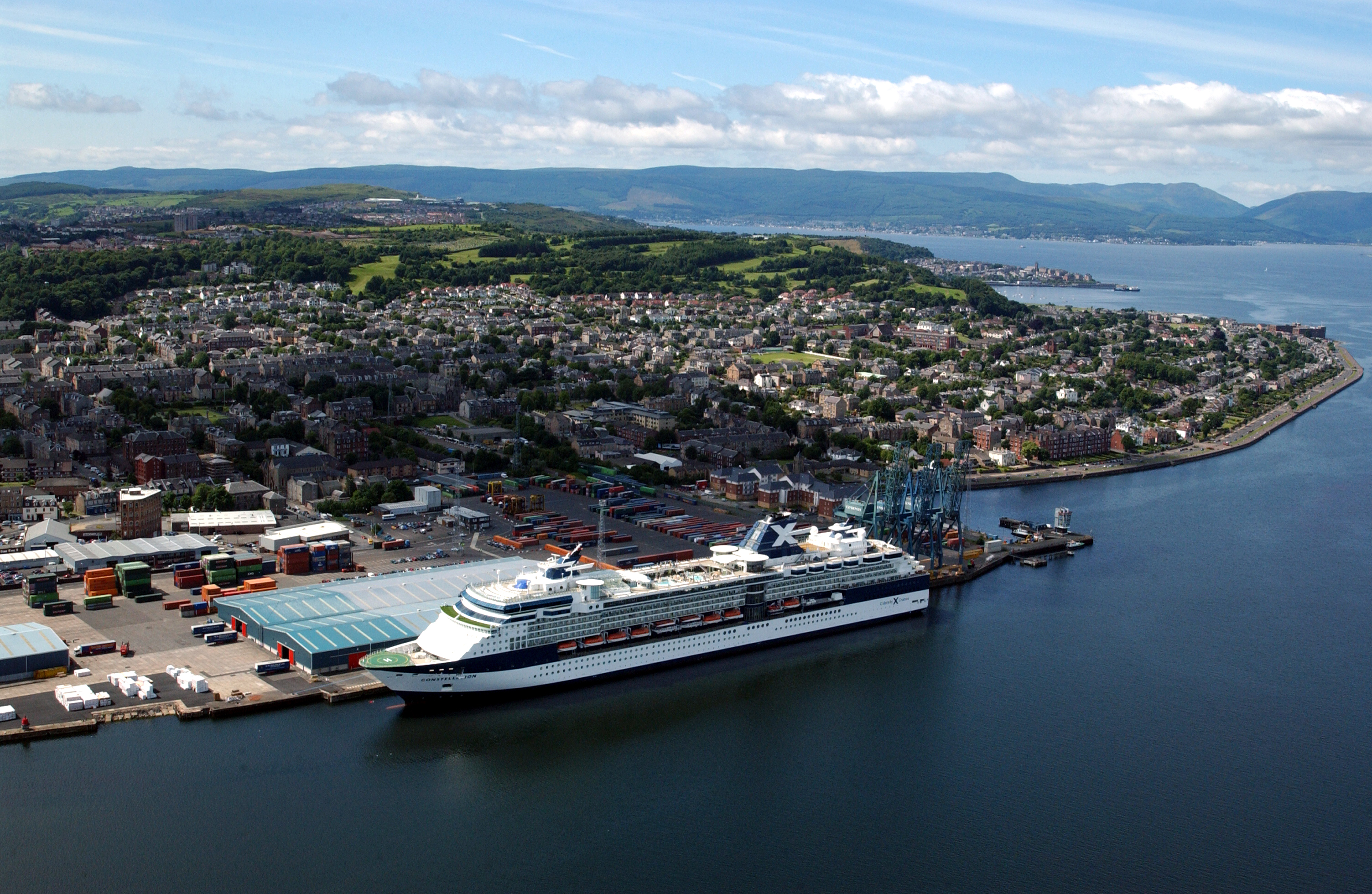 Riverside Inverclyde How Regeneration Is Reviving Inverclyde - Cruise ships at greenock